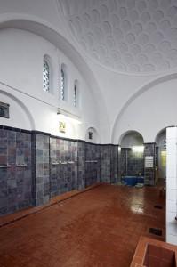DUSCHRAUM der SAUNA. Foto: UWE GAASCH (2012)