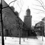 Blick auf das Stadtbad über den Hof der jetztigen Jugendherberge. Foto (1916):  Stadtarchiv Halle.